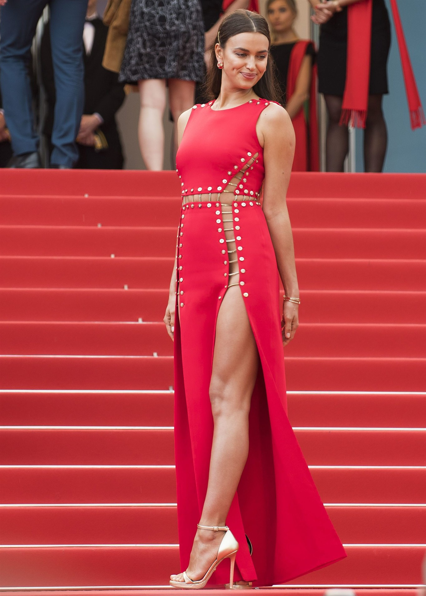 Vietnamese actress stuns Cannes red carpet, Ly Nha Ky, cannes film festival 2018 | Glamorous